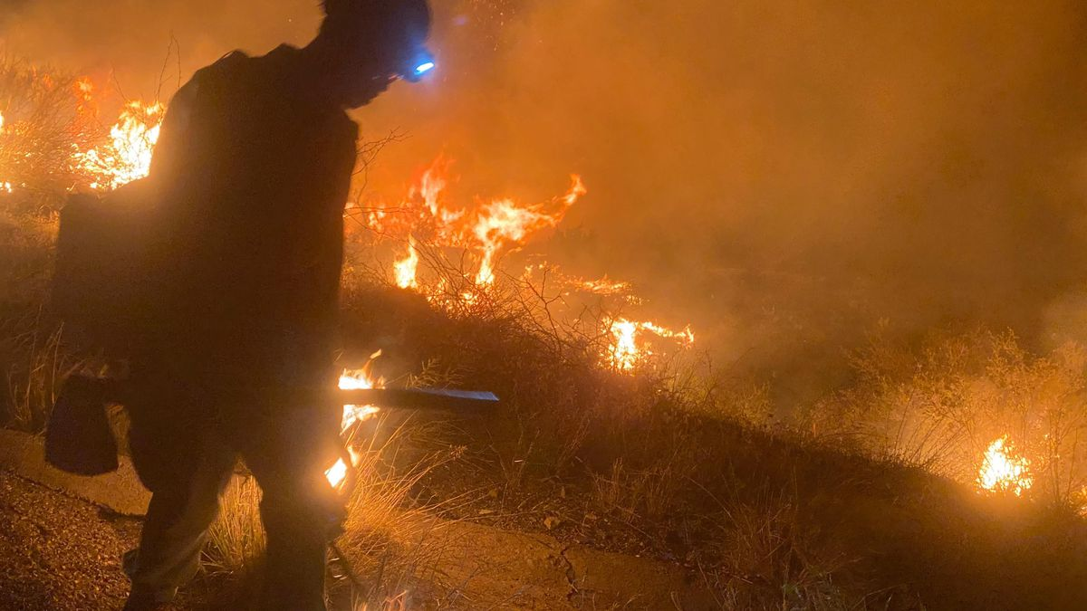 Copper Canyon Fire burns over 2,000 acres