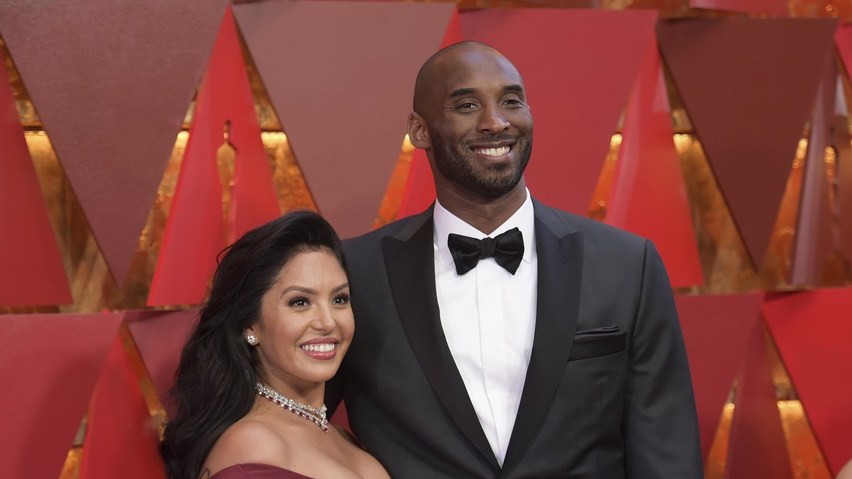 In this March 4, 2018, file photo, Vanessa Bryant, left, and Kobe Bryant arrive at the Oscars...