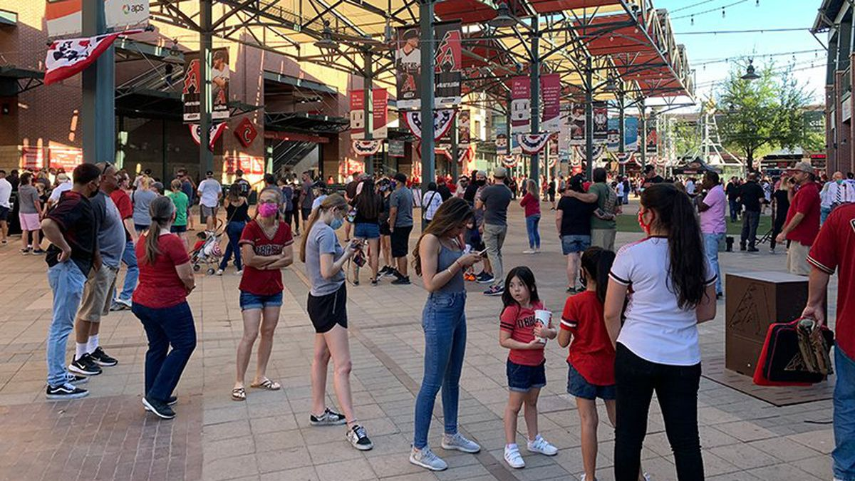 Arizona Diamondbacks fans waited in lines outside Chase Field before Friday's home opener. Most...