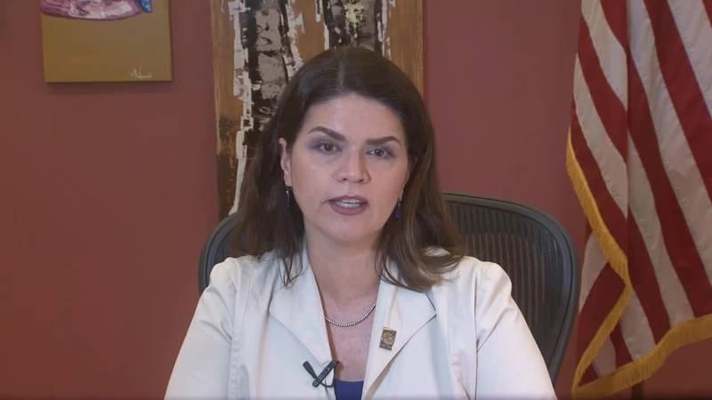 ucson Mayor Regina Romero announces mask requirement for city facilities