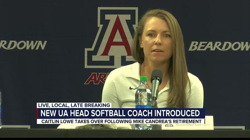Arizona head softball coach Caitlin Lowe