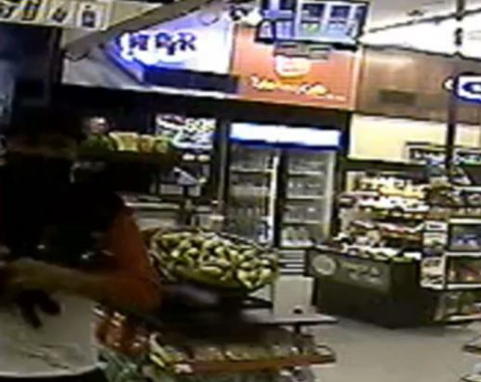 Suspect in Circle K robbery (Source: Pima County Sheriff's Department)