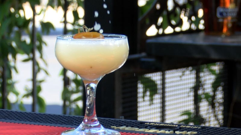 New law allowing restaurants and bars to sell cocktails to-go