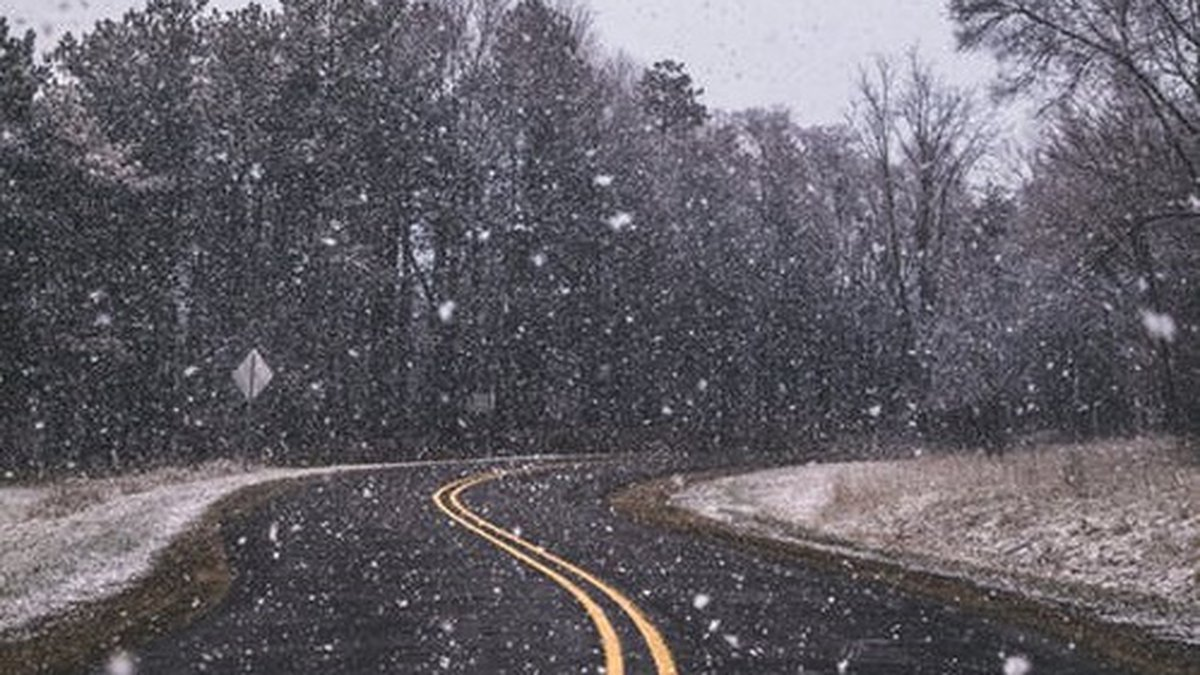 More flurries are expected later this afternoon.  (Source: Pexels/stock image)