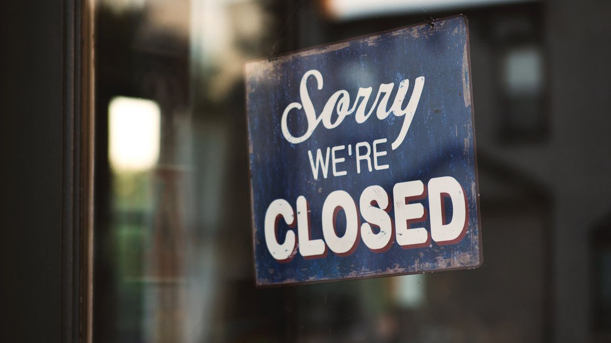 "Generic ""Sorry, we're closed"" sign."